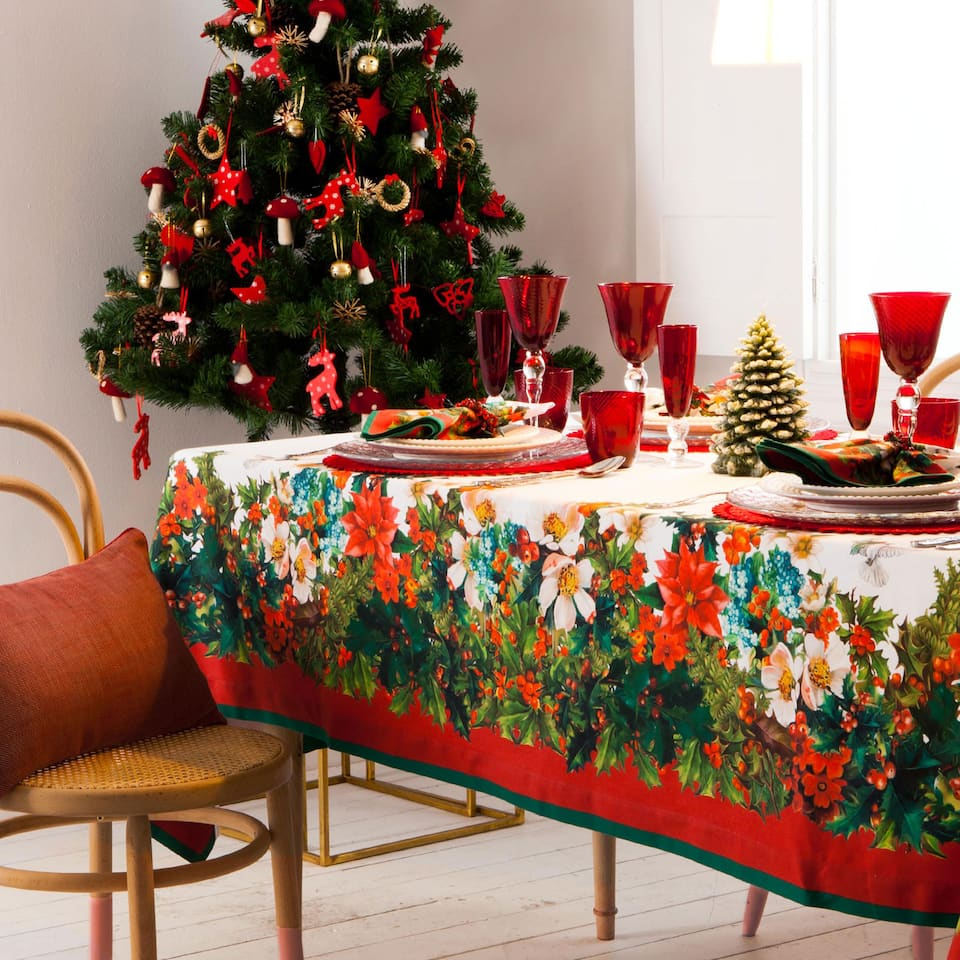 Digital Holly Print Christmas Tablecloth and Napkin