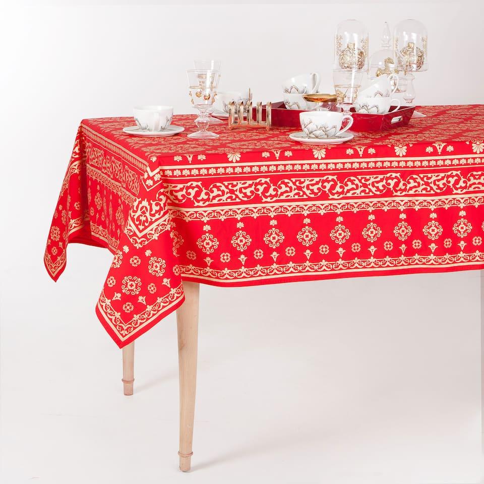 Damask Print Christmas Tablecloth and Napkin