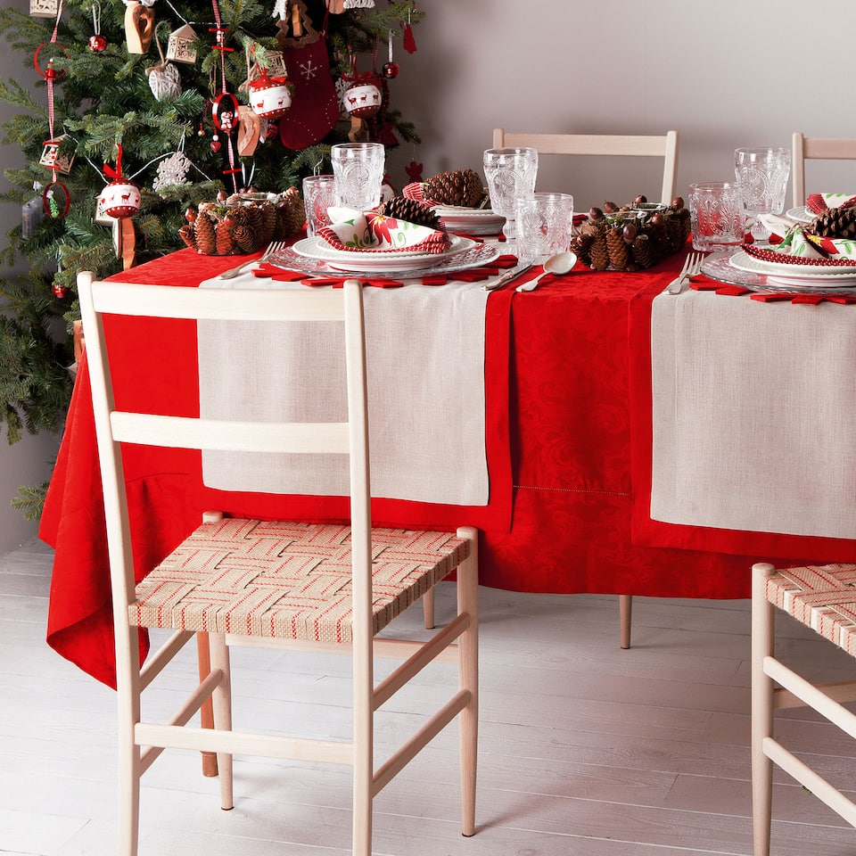 Red Christmas Tablecloth and Napkin