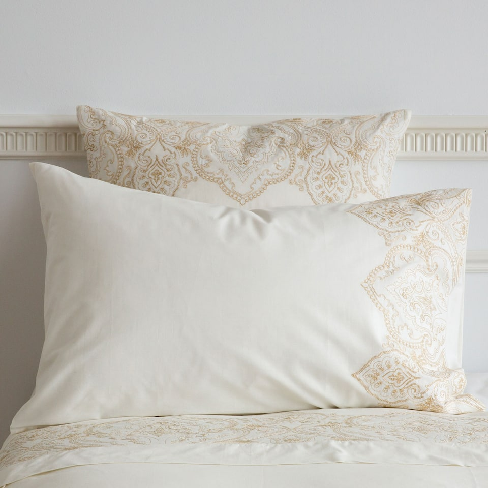 linge de lit percale paisley broderie linge de lit lit zara home canada. Black Bedroom Furniture Sets. Home Design Ideas