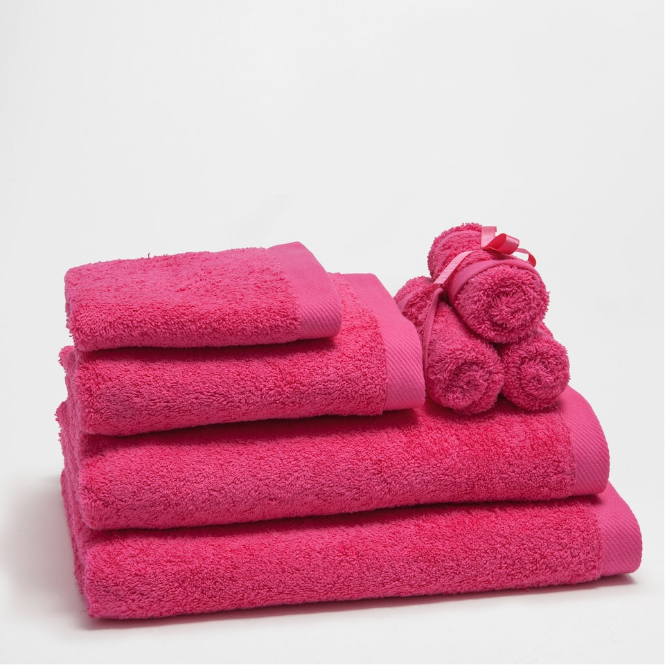 Toallas e albornoces ba o new collection zara home for Zara home toallas bano