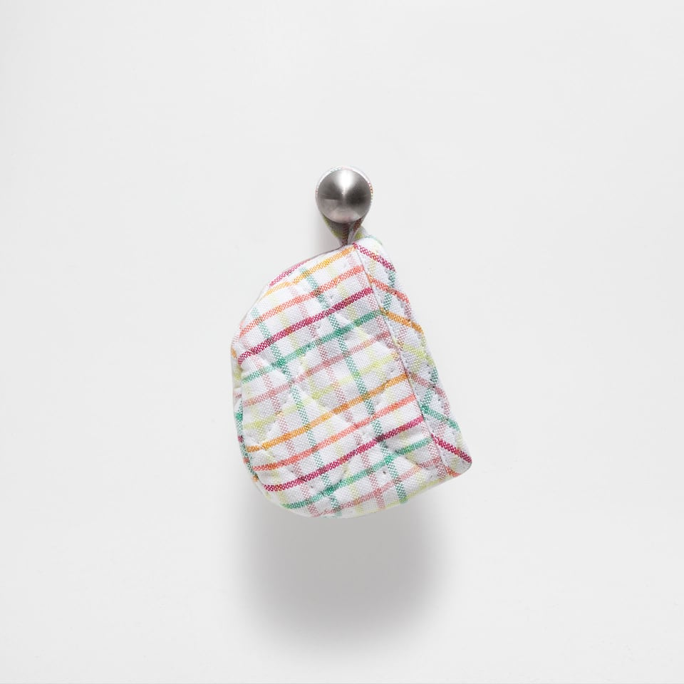 MULTICOLOURED CHECKED MINI POT HOLDERS