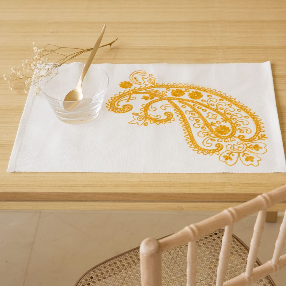 Ecru Embroidered Placemat (Set of 2)