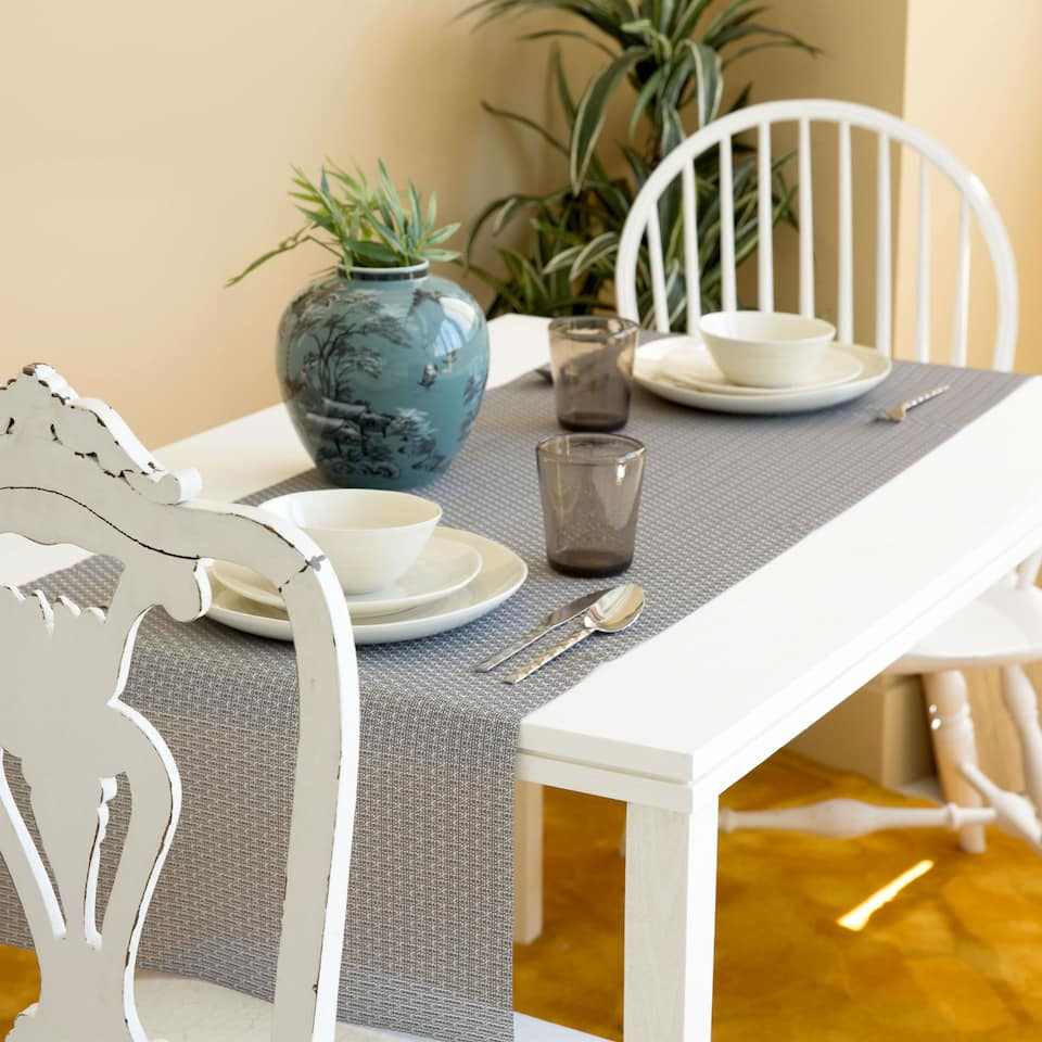 Lattice Plastic-Coated Individual Table Runner