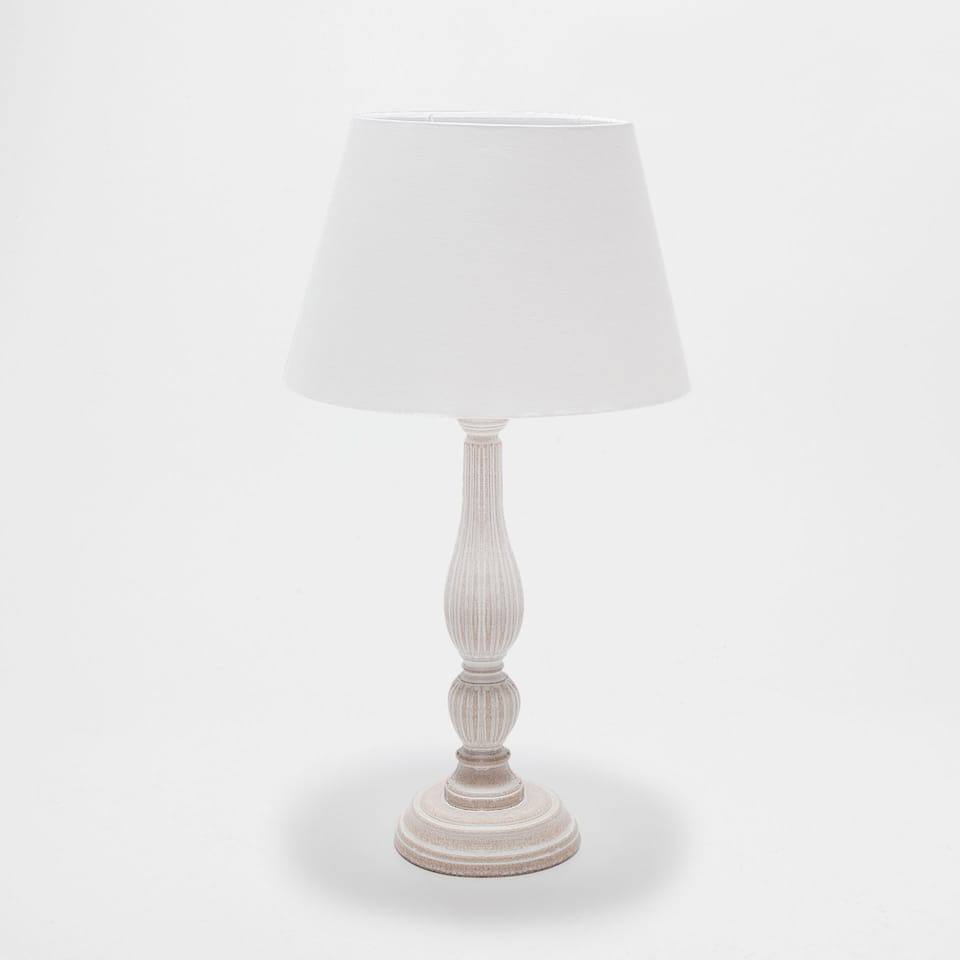 WHITE WOODEN LAMP