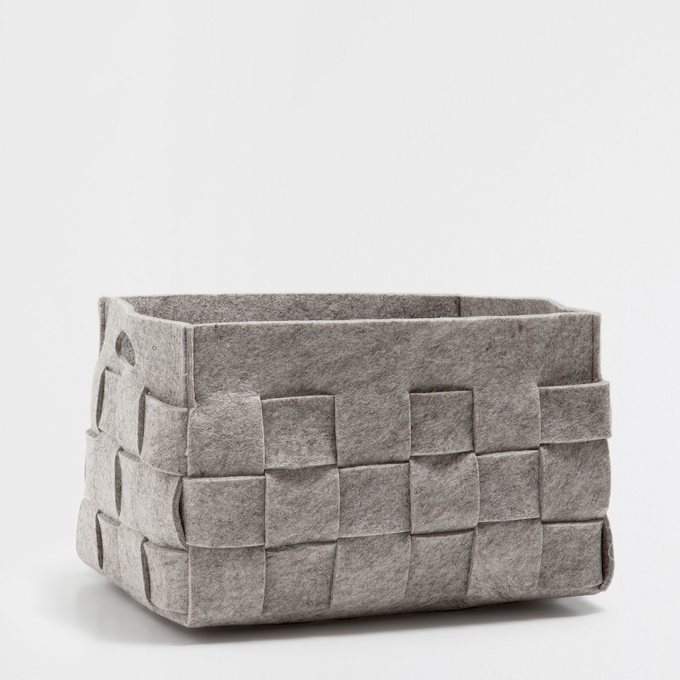GREY PLAITED RECTANGULAR BASKET