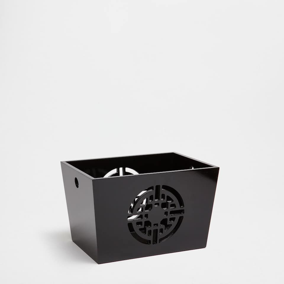 BLACK LACQUERED BOX