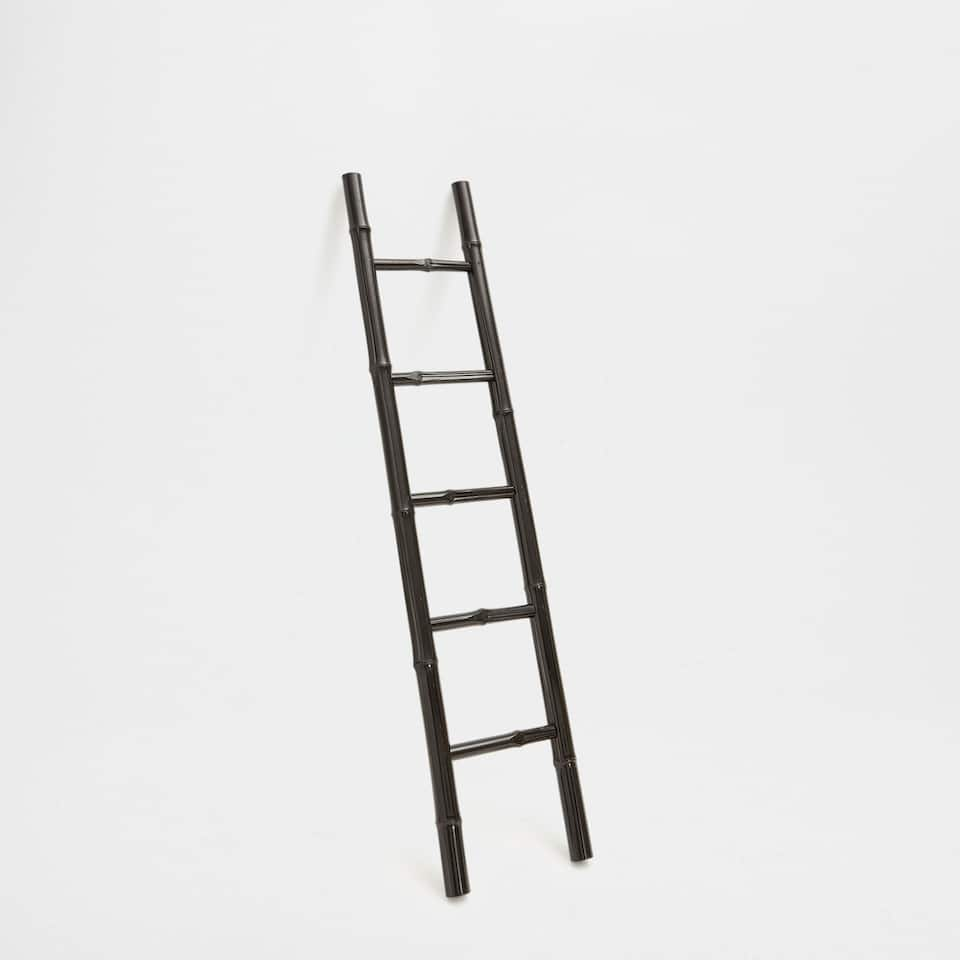 BAMBOO LADDER TOWEL RACK