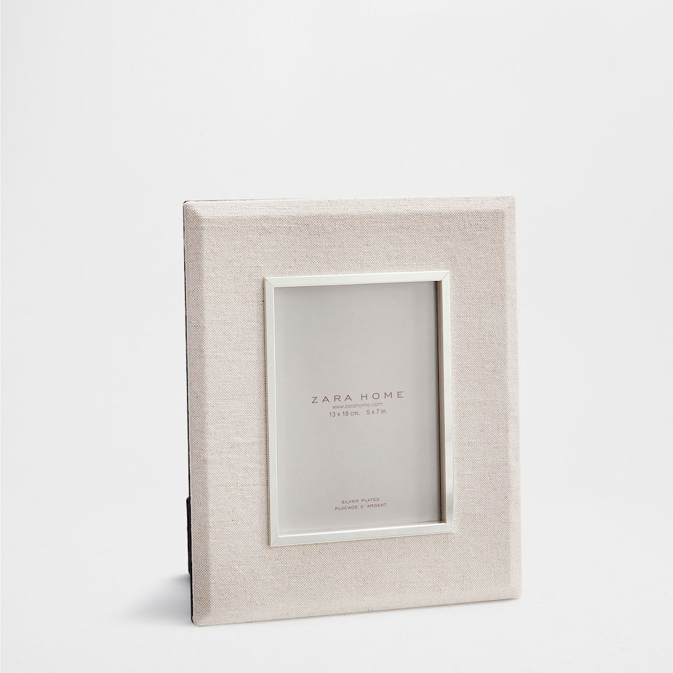 LINEN-FINISH FRAME