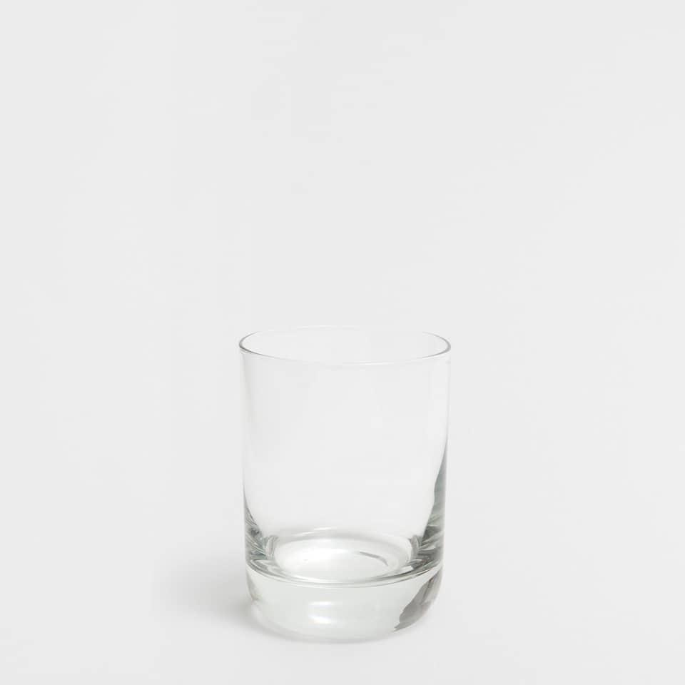 Szklanka z grubą podstawą