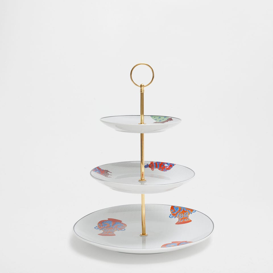 Porcelain tiered serving dish with a vases design and golden edge
