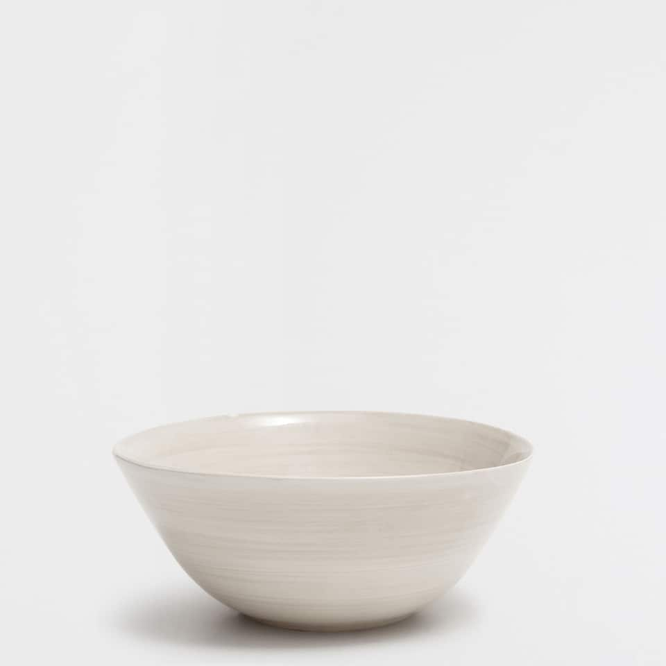 Natural-coloured earthenware bowl