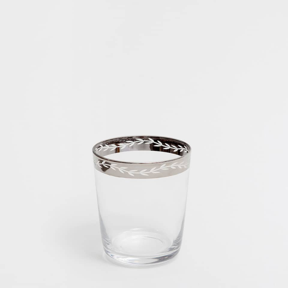 PATTERNED TUMBLER WITH A SILVER RIM