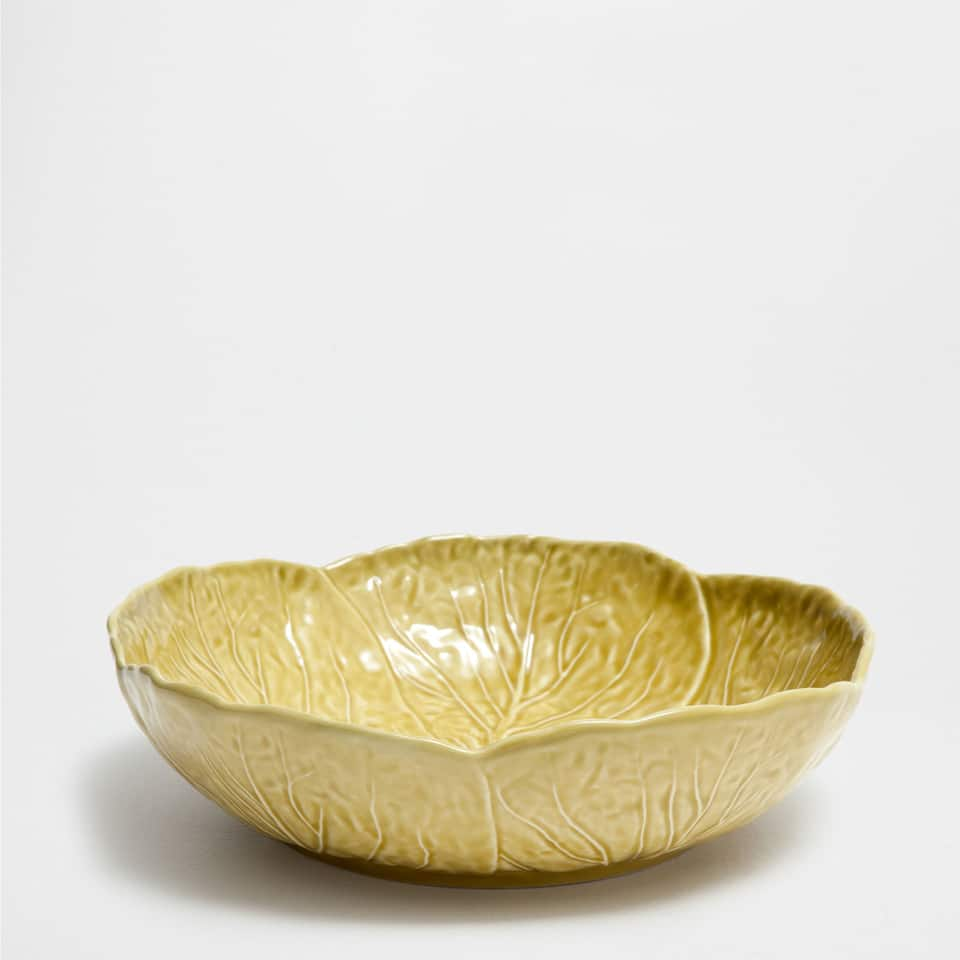 RAISED-LEAVES SALAD BOWL
