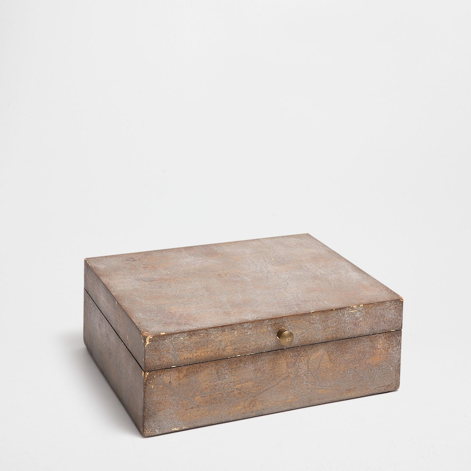 ANTIQUE-FINISH WOODEN BOX