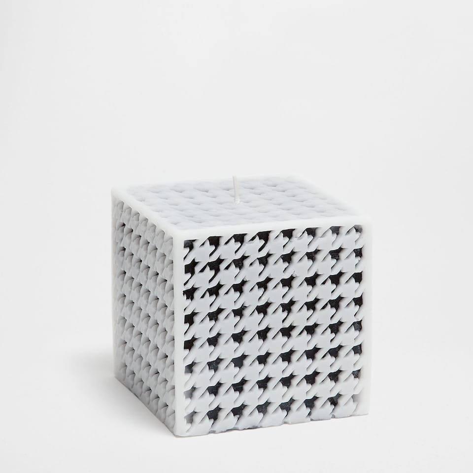 Houndstooth candle