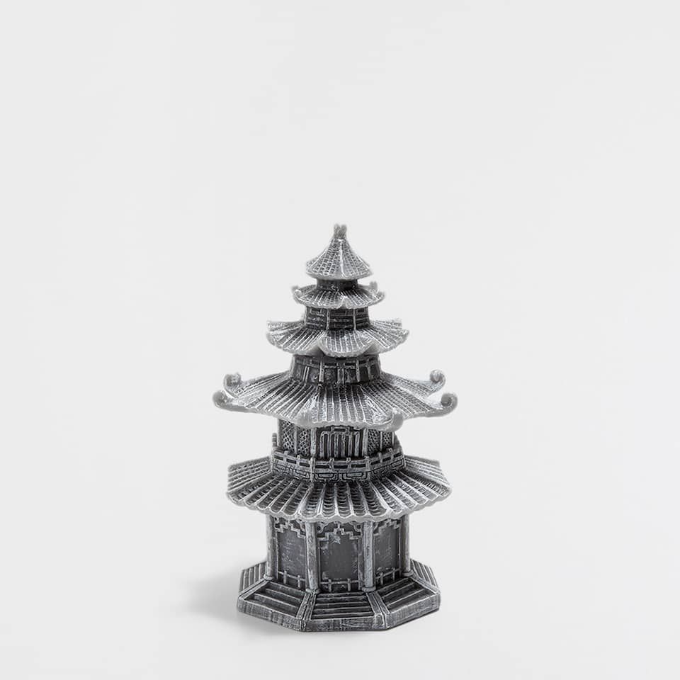 Pagoda-shaped candle