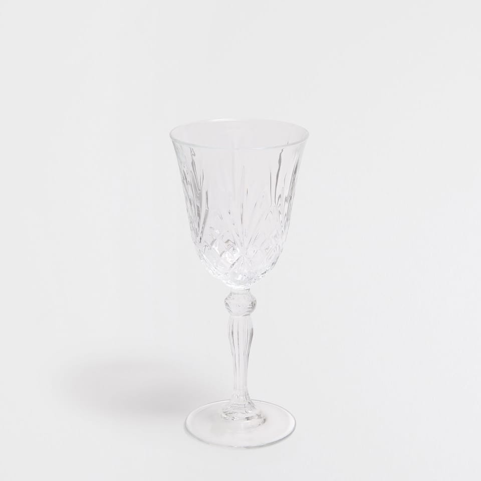 Engraved glass water glass