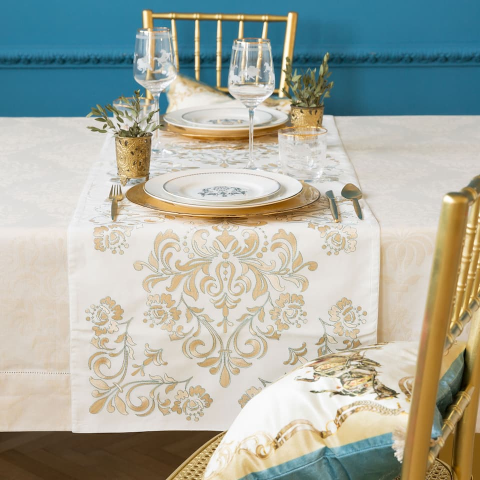 EMBROIDERED COTTON TABLE RUNNER