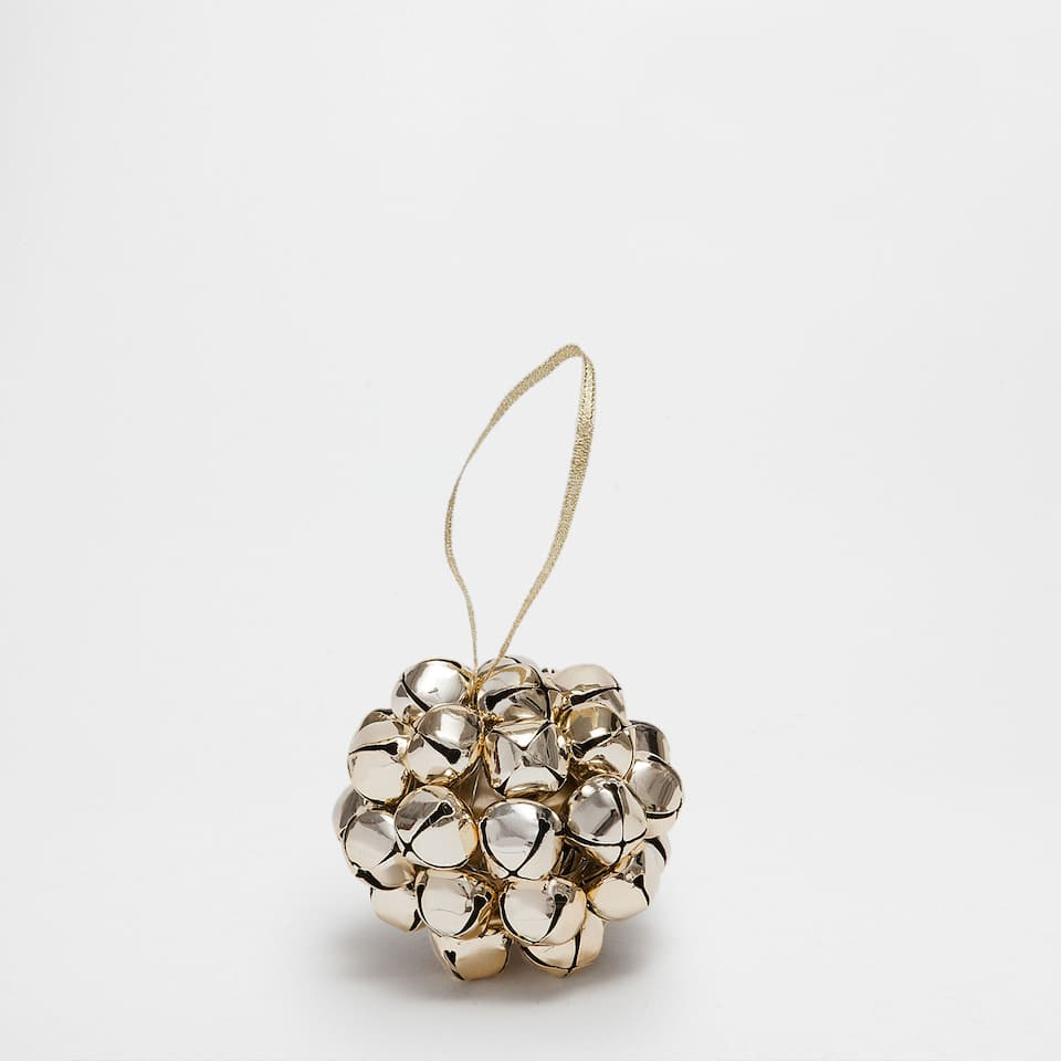 Golden bells bauble