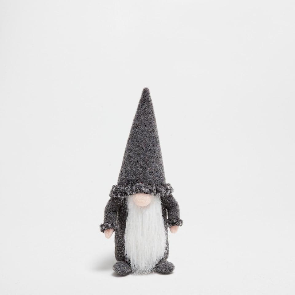 Grey gnome with long beard