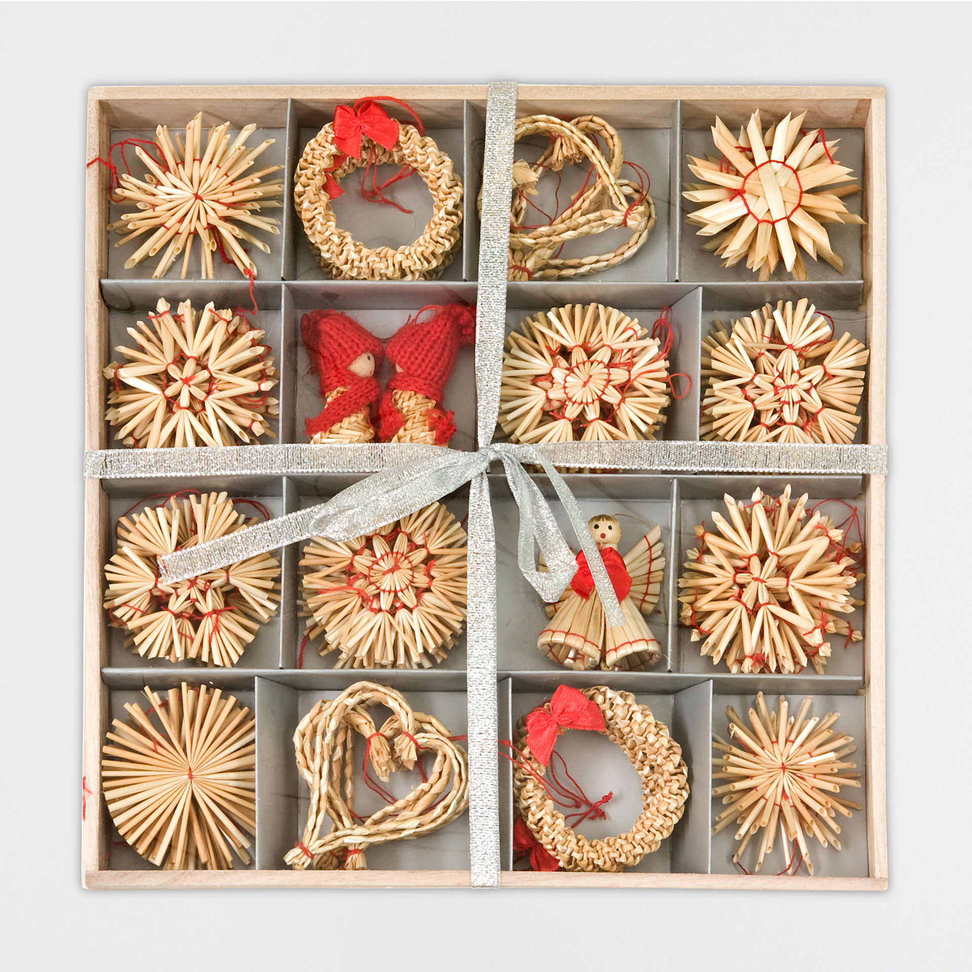 Straw decorations box