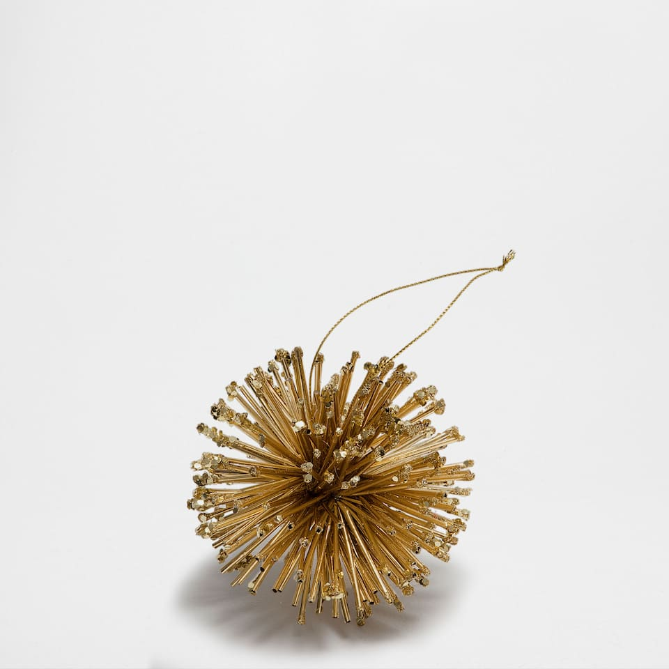 Golden rods bauble