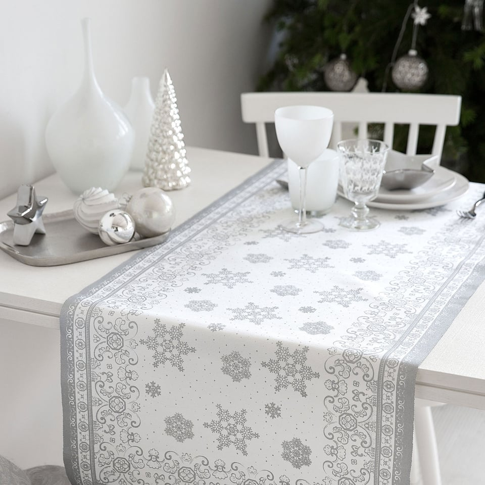 Cotton metallic snowflake print table runner