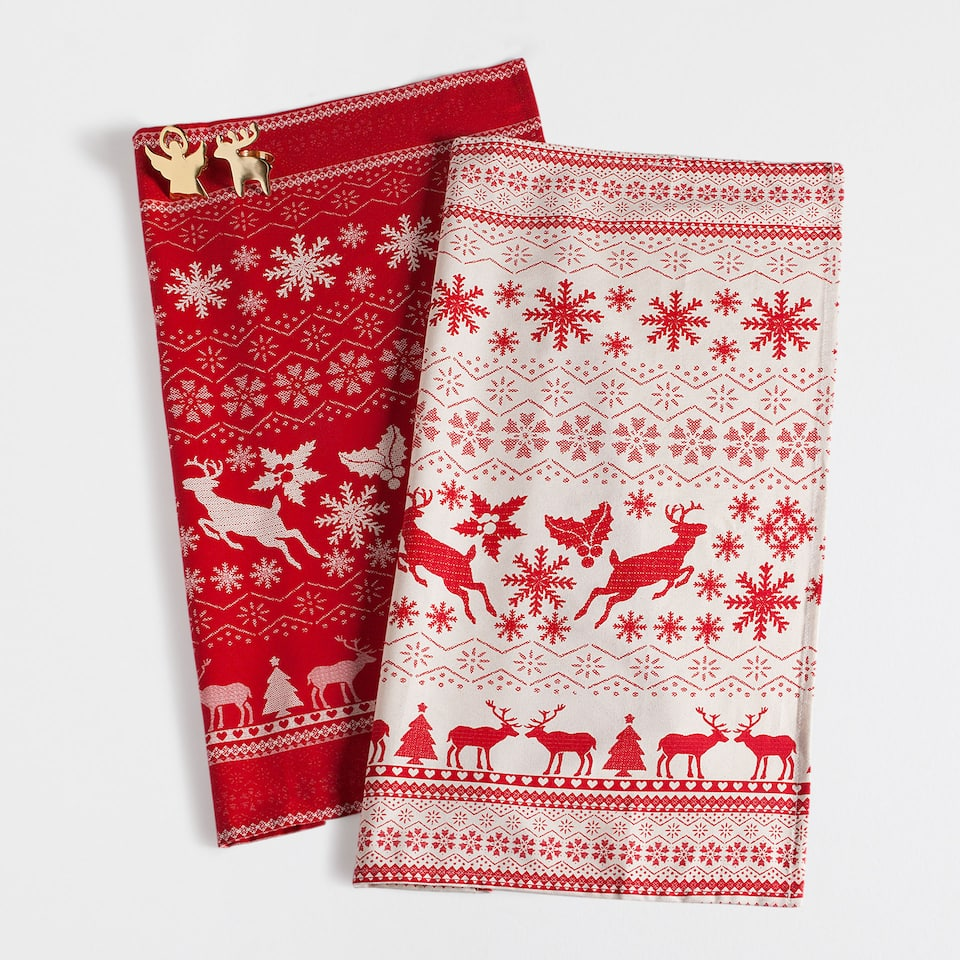 Red reindeer print tea towel (set of 2)