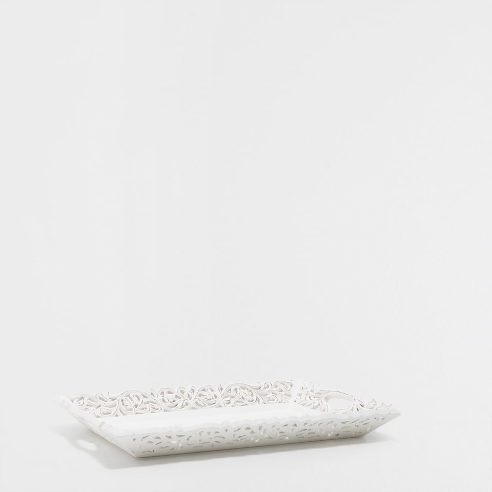 CARVED WHITE TRAY