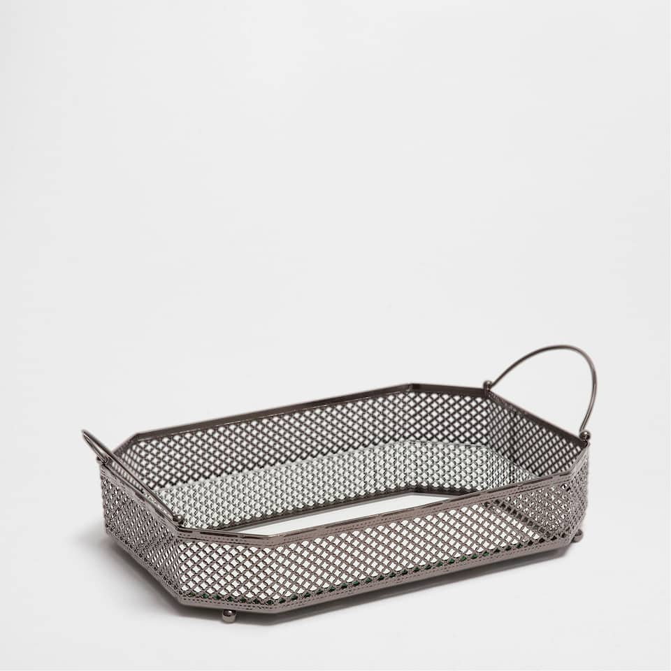 MESH TRAY WITH HANDLES