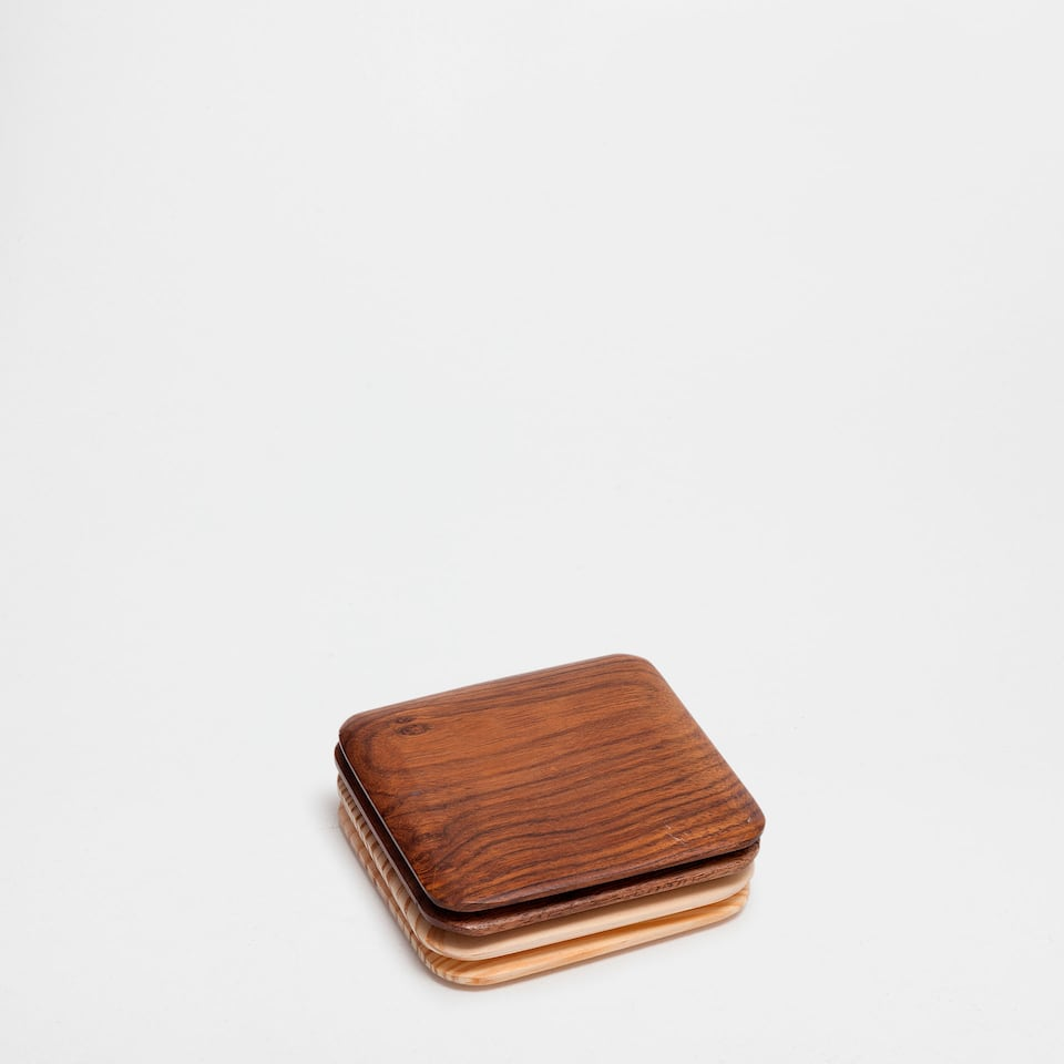 BEVELLED WOODEN COASTER (SET OF 4)