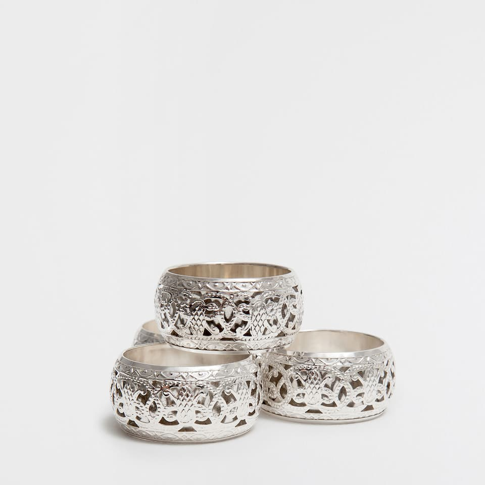 SILVER EMBOSSED NAPKIN RING (SET OF 4)