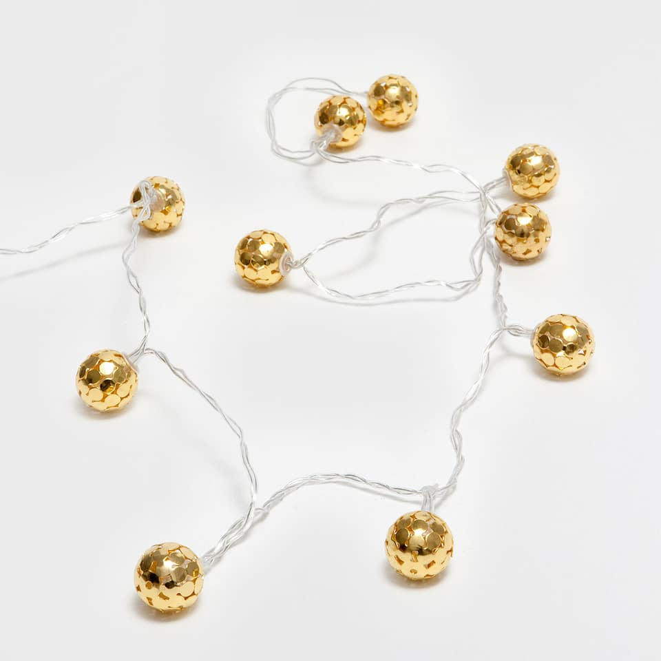 Golden bauble lights wreath