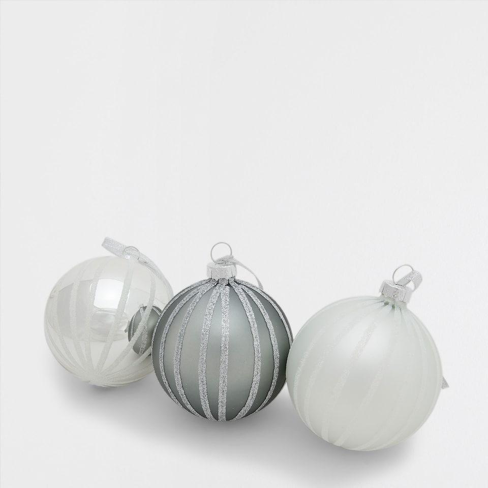 Verzilverde kerstballen met strepen (set van 3)