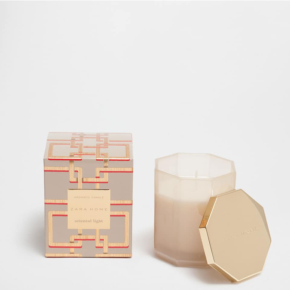 ORIENTAL LIGHT SCENTED CANDLE