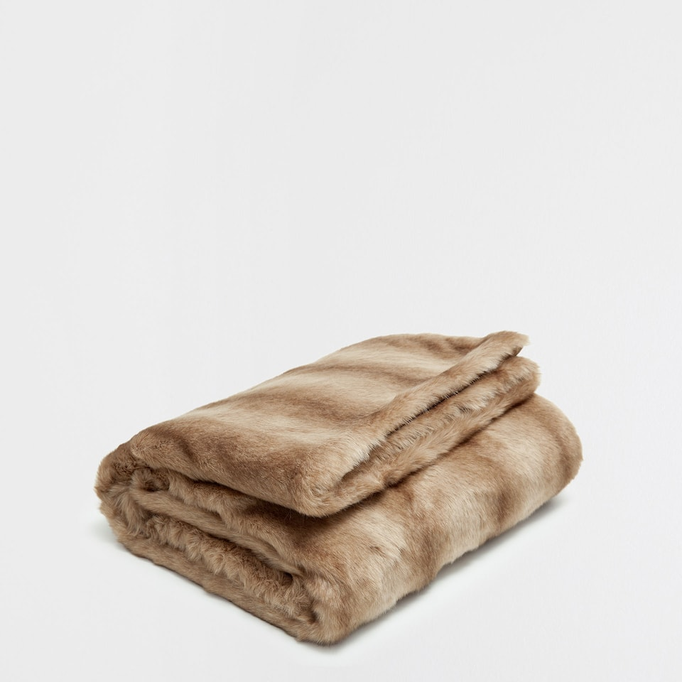 TAUPE FAUX FUR BLANKET