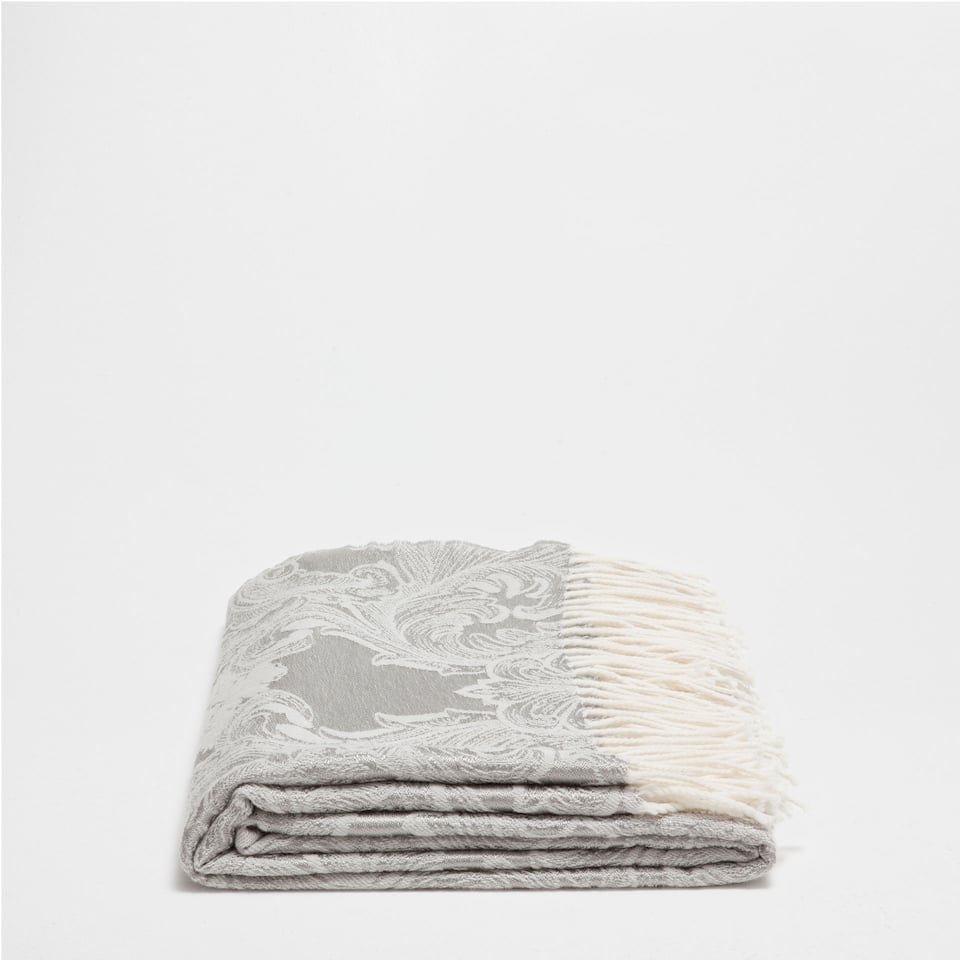 FRINGED JACQUARD WOOL BLANKET