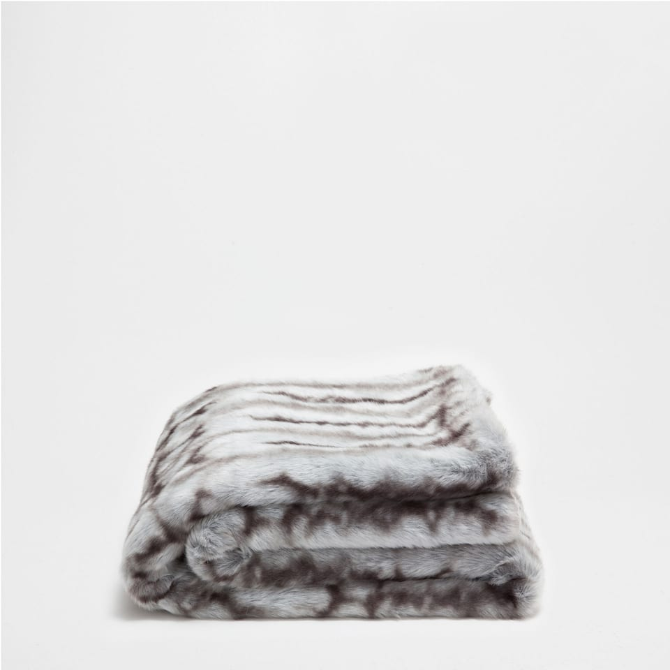 STRIPED FAUX FUR BLANKET