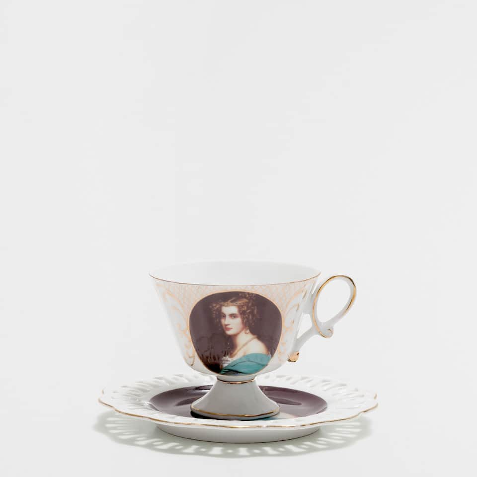 Photo-frame teacup and saucer