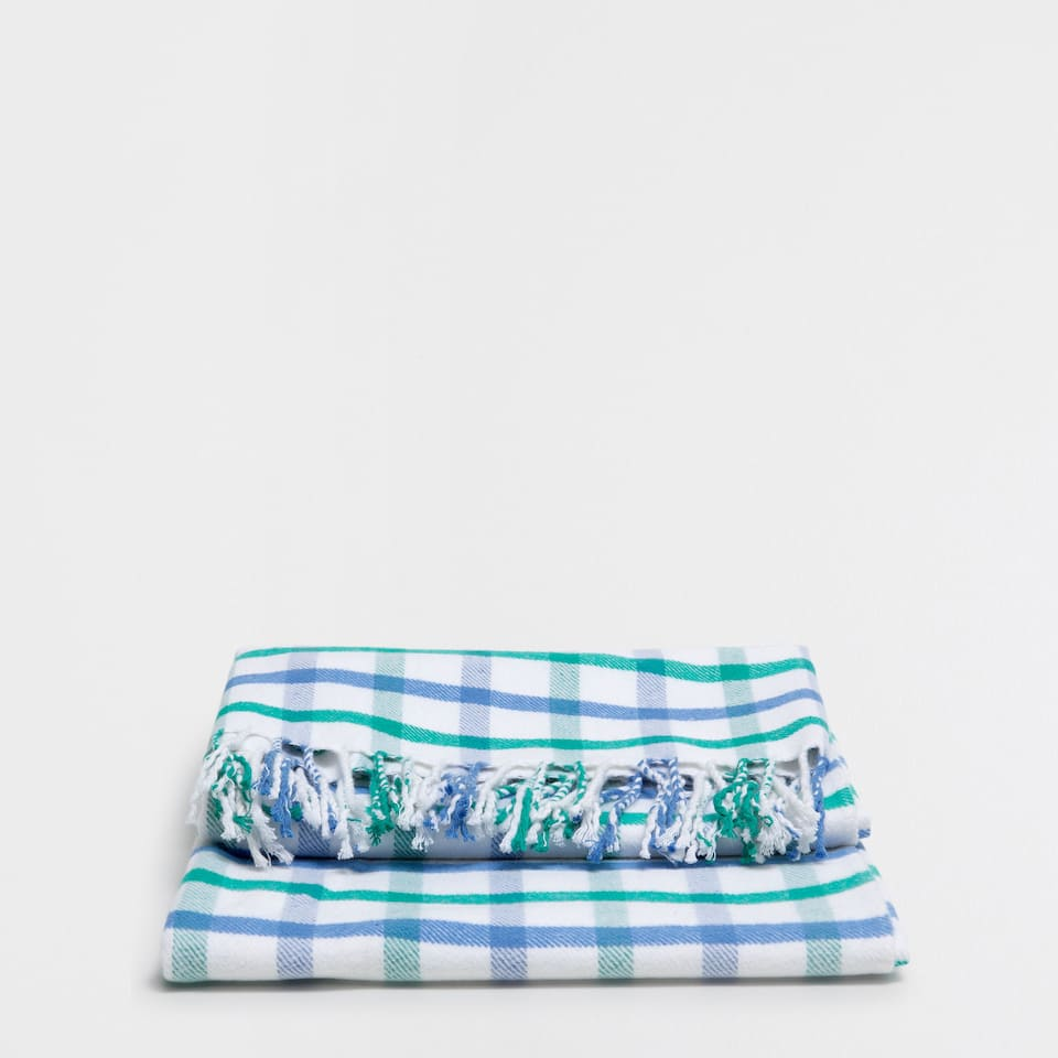 Checked cotton blanket