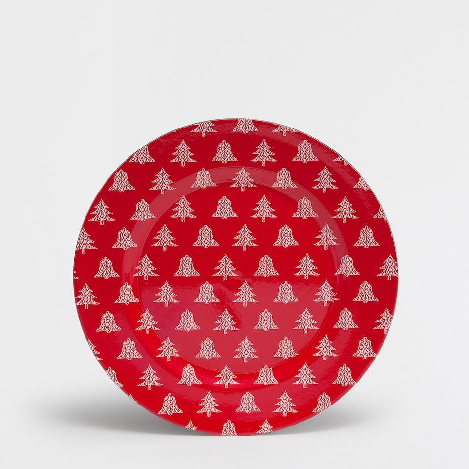Red tree motif plate charger