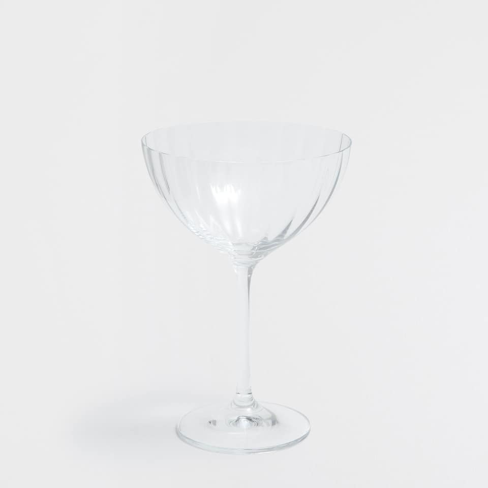 STEMMED RELIEF WINE GLASS