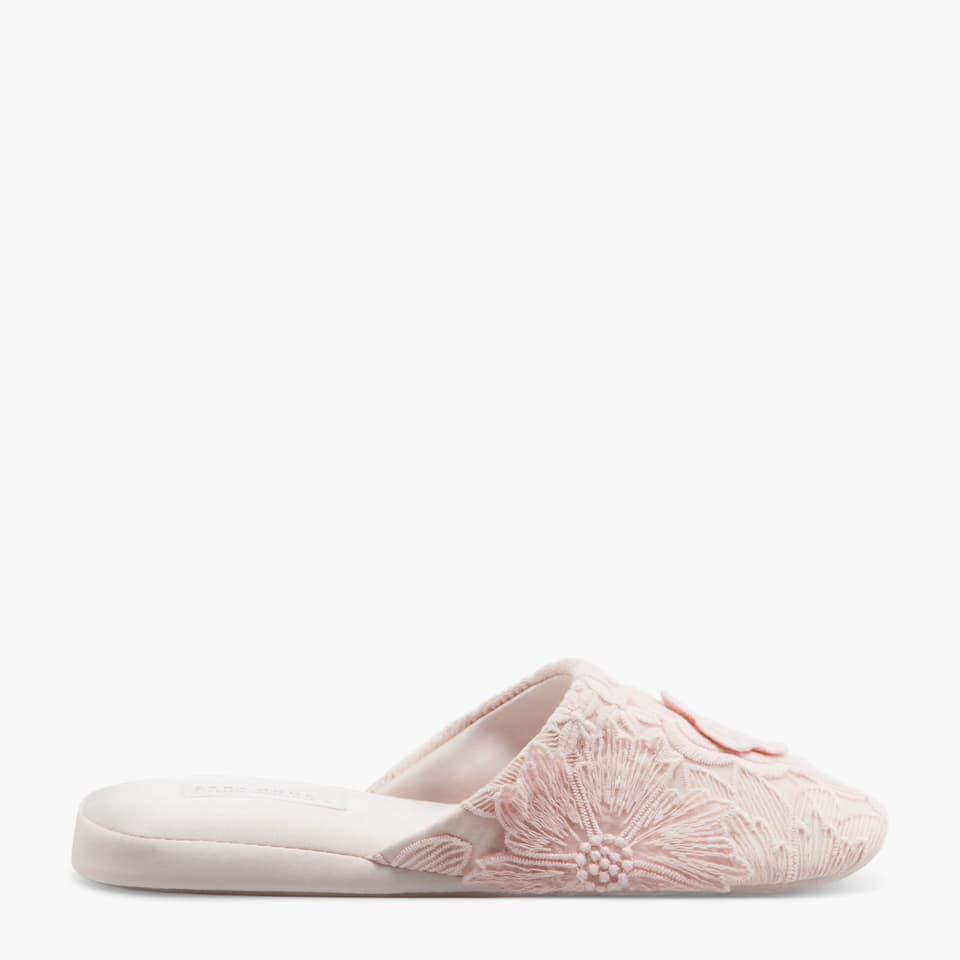 PINK FLORAL EMBROIDERED SLIPPERS