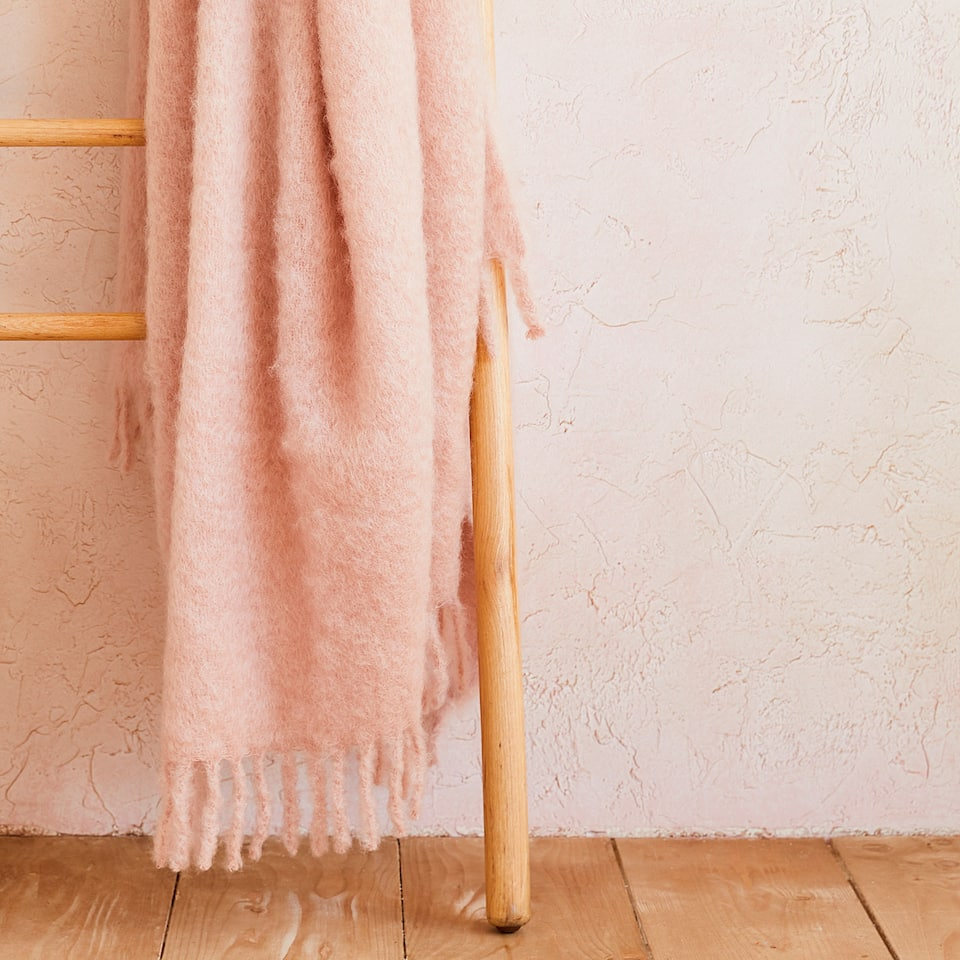 MOHAIR BLANKET WITH FRINGE