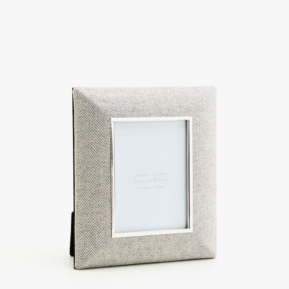 FRAME WITH HERRINGBONE FABRIC FINISH