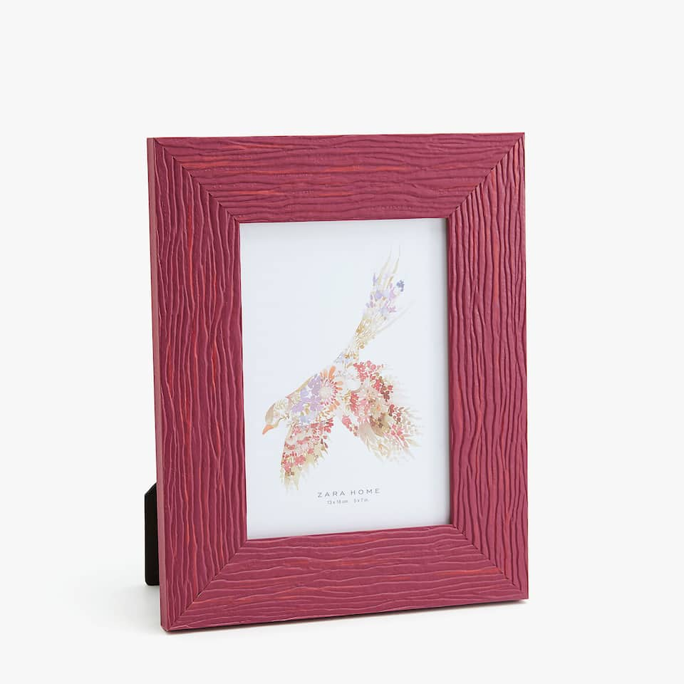 PINK FRAME WITH STREAKS