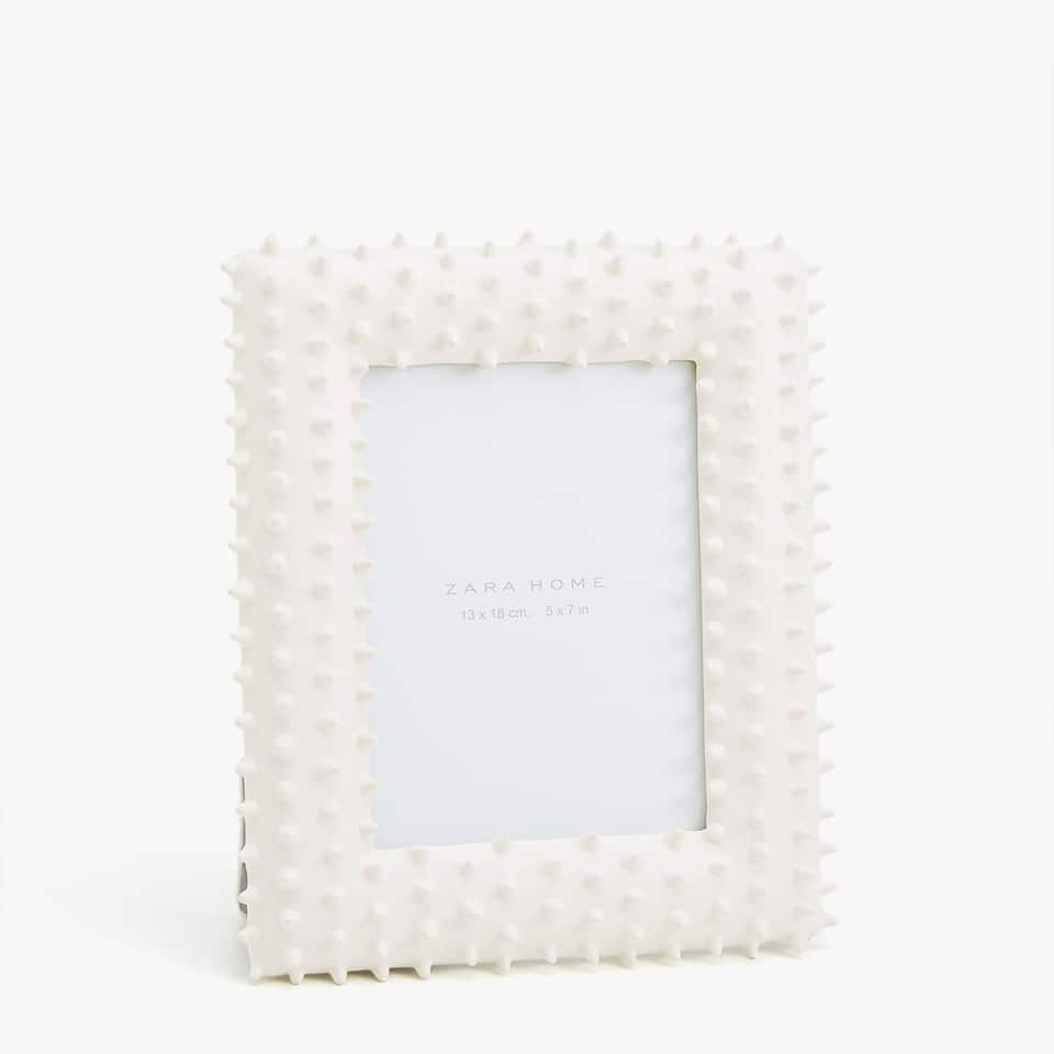 WHITE FRAME WITH CACTUS EFFECT