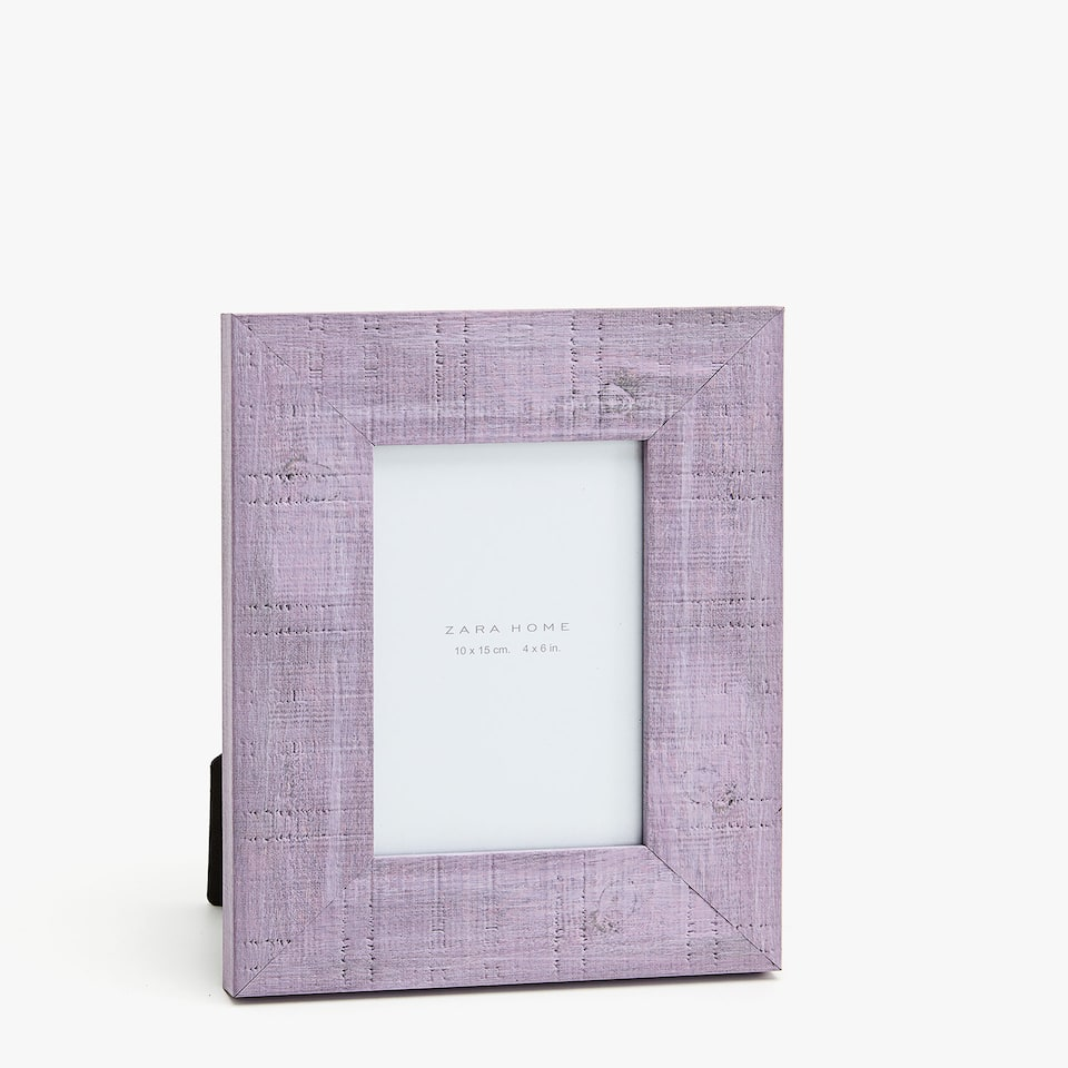 FRAME WITH LILAC STREAKS