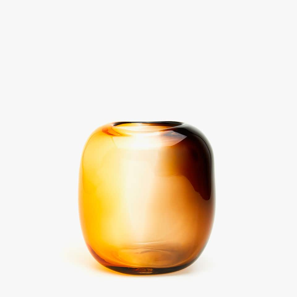 Vase with shaded effect